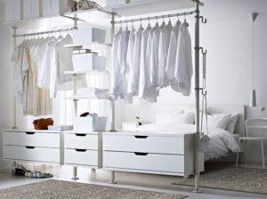 Dressing dans une chambre - Ikea
