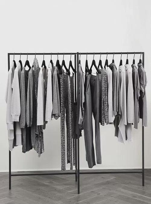 Dressing dans une chambre