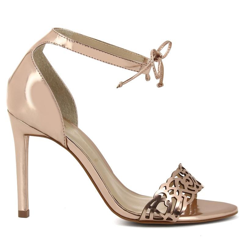 1bbb07513207 10 paires de sandales à talons pour le printemps 2015