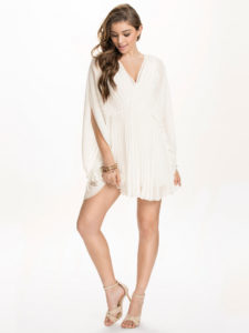 Robes blanches - Robe plissée NLY One - Nelly