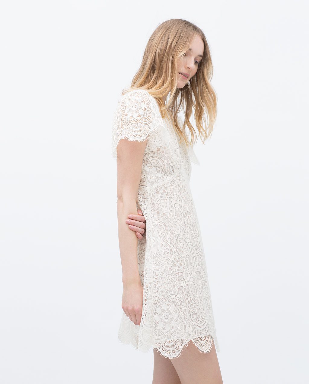 Robe blanche cocktail zara