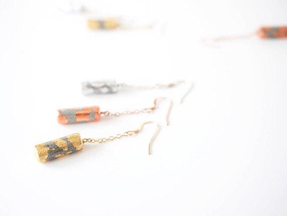 Boucles d'oreilles tubes en béton, Mint Pantari