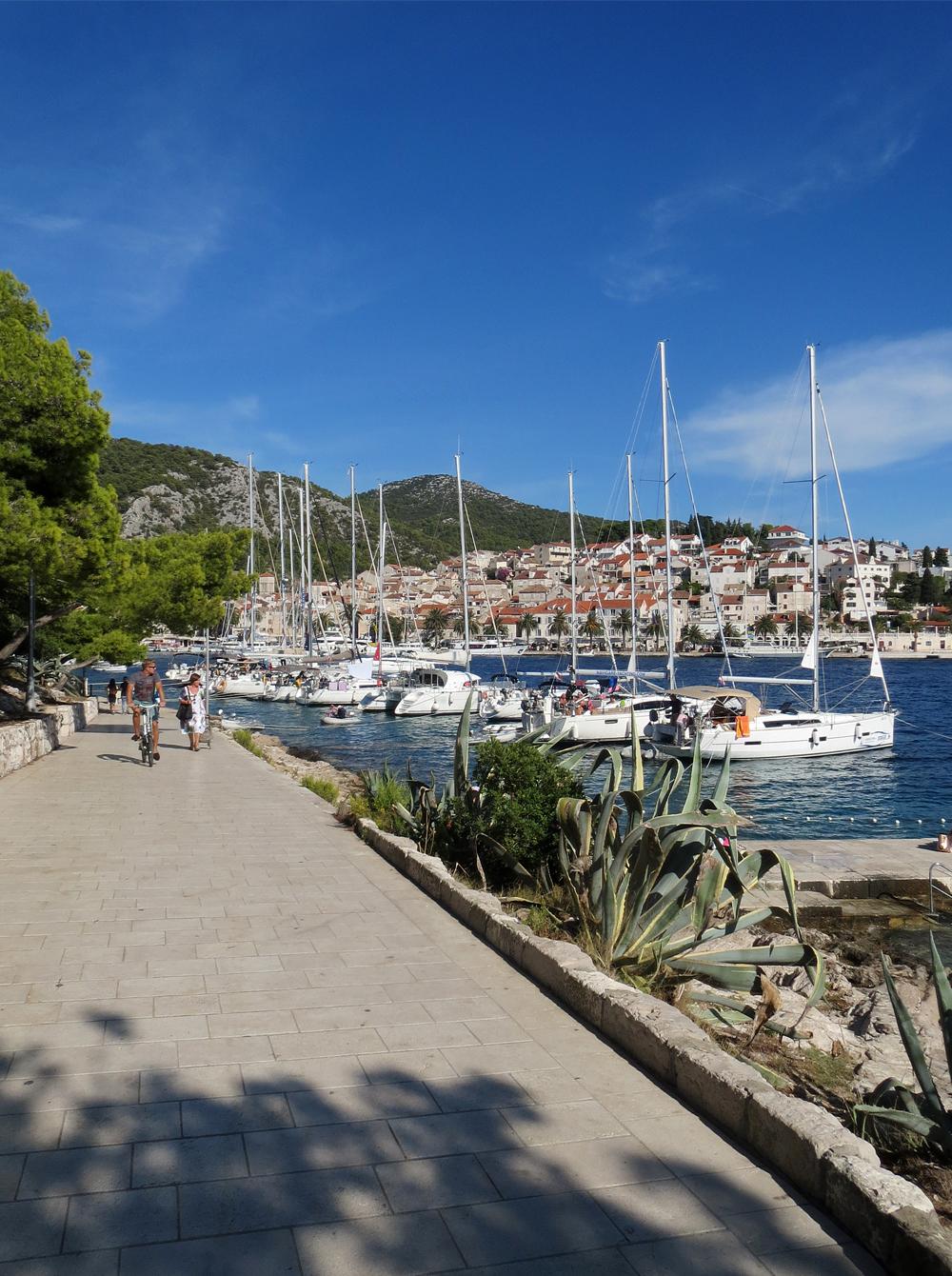 Riva - Ile de Hvar - Croatie