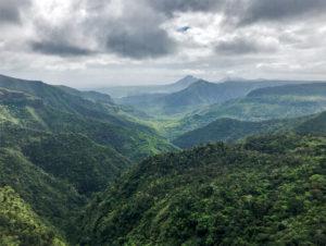 Les montagnes du sud de l'île Maurice